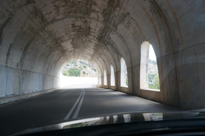 Аля-альпійські тунелі