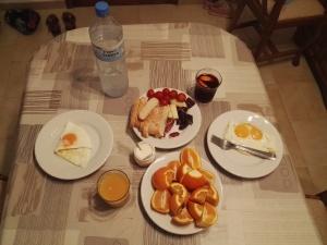 Спеціально для Юлі - типовий Даринчин сніданок ;)