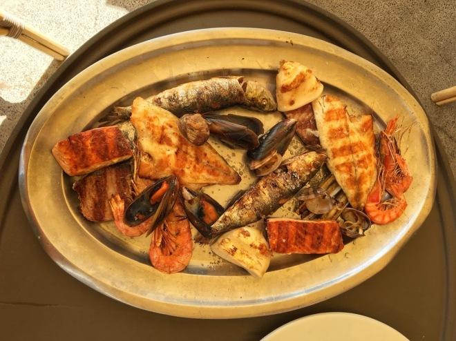 Багато смачної риби